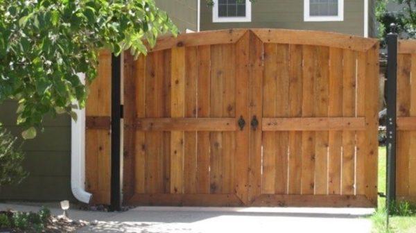 Custom Wood Driveway Gate